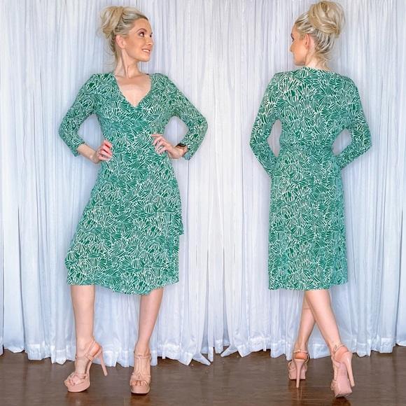 BCBGMaxAzria Dresses & Skirts - BCBG Green Wrap Tie Midi Dress